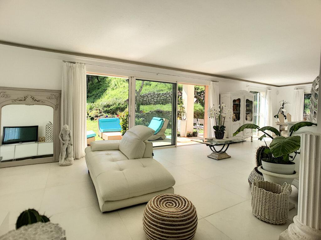 Maison à vendre 5 200m2 à Cagnes-sur-Mer vignette-2