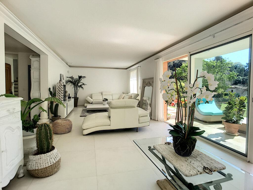 Maison à vendre 5 200m2 à Cagnes-sur-Mer vignette-3