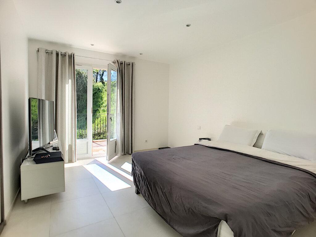Maison à vendre 5 200m2 à Cagnes-sur-Mer vignette-7