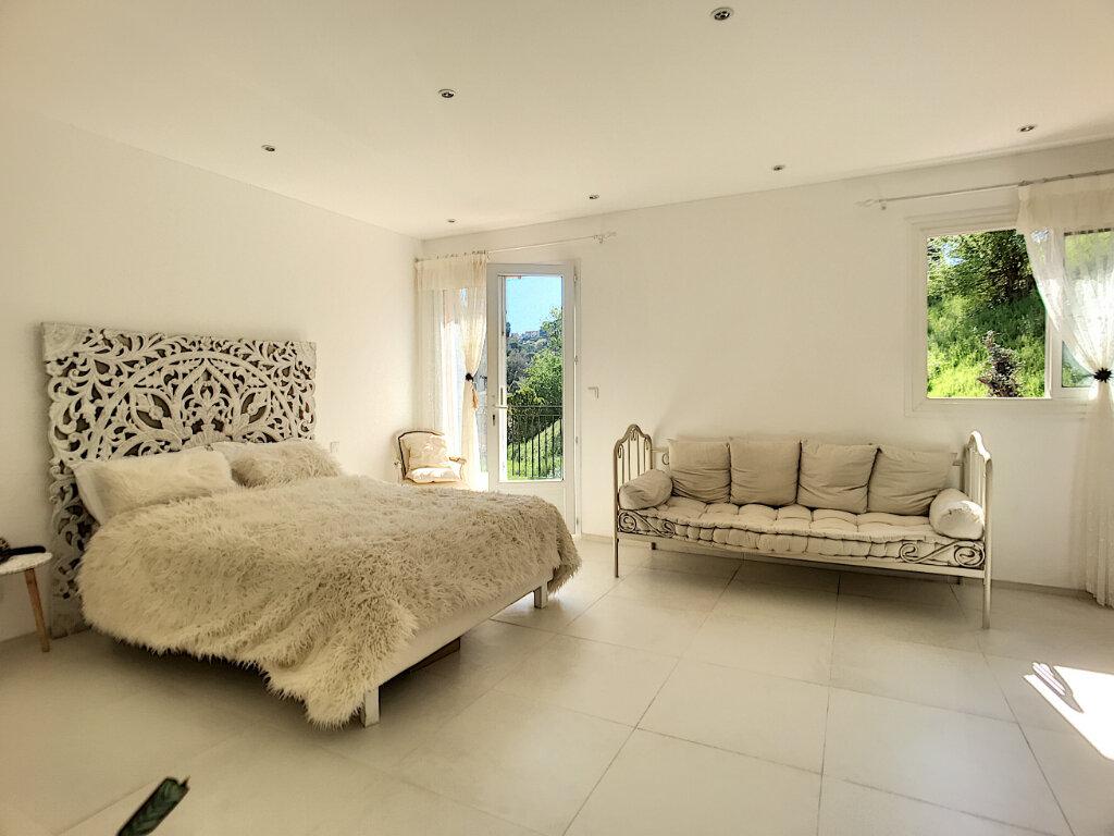 Maison à vendre 5 200m2 à Cagnes-sur-Mer vignette-8