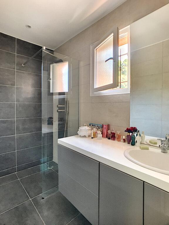 Maison à vendre 5 200m2 à Cagnes-sur-Mer vignette-11