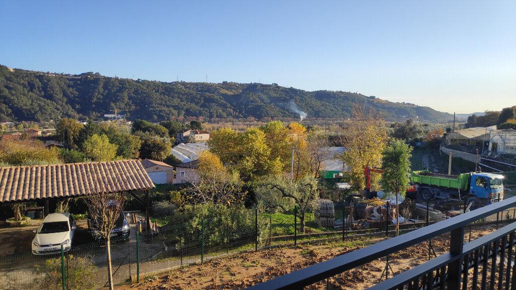 Appartement à louer 2 43m2 à Gattières vignette-1