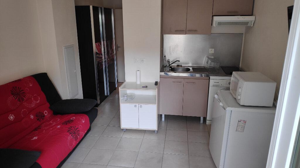 Appartement à louer 1 19m2 à Cagnes-sur-Mer vignette-2