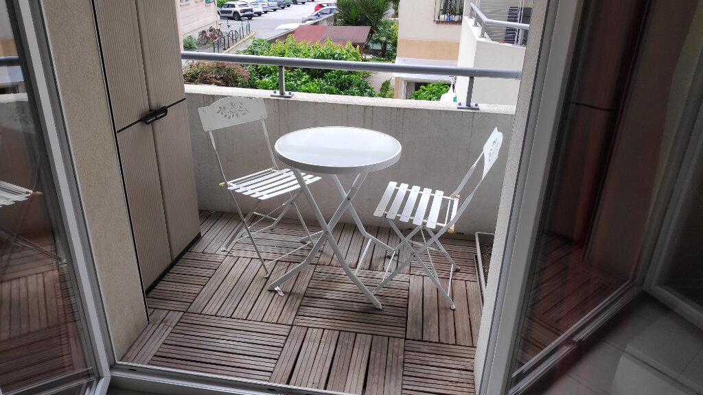Appartement à louer 1 19m2 à Cagnes-sur-Mer vignette-4