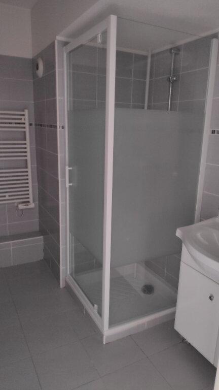 Appartement à louer 2 40m2 à Juan-les-Pins - Antibes vignette-7
