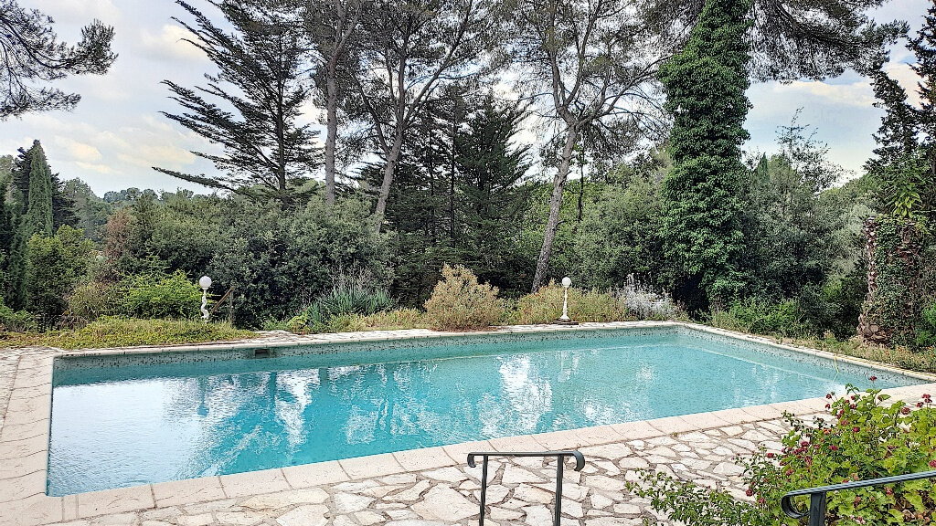 Maison à vendre 7 187m2 à Roquefort-les-Pins vignette-1