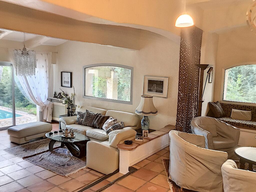 Maison à vendre 7 187m2 à Roquefort-les-Pins vignette-9