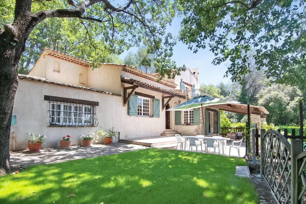 Maison à vendre 7 180m2 à Roquefort-les-Pins vignette-1