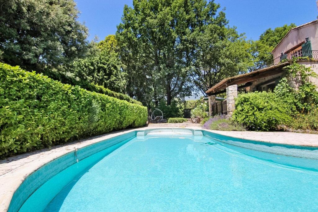 Maison à vendre 7 180m2 à Roquefort-les-Pins vignette-2