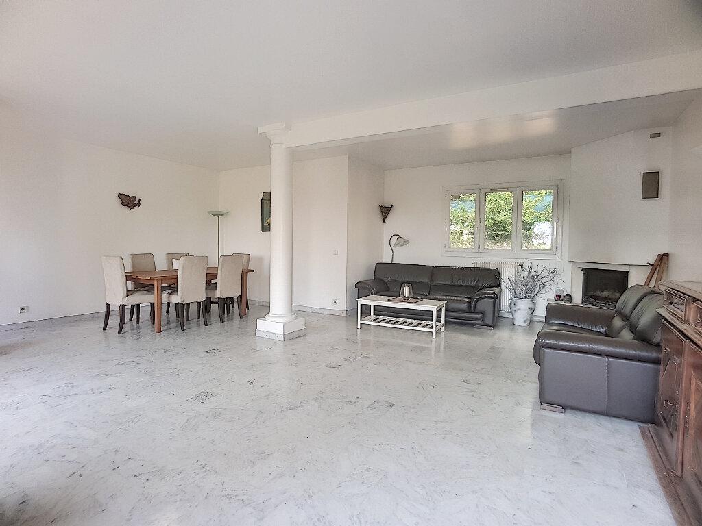Maison à vendre 7 161m2 à Roquefort-les-Pins vignette-2