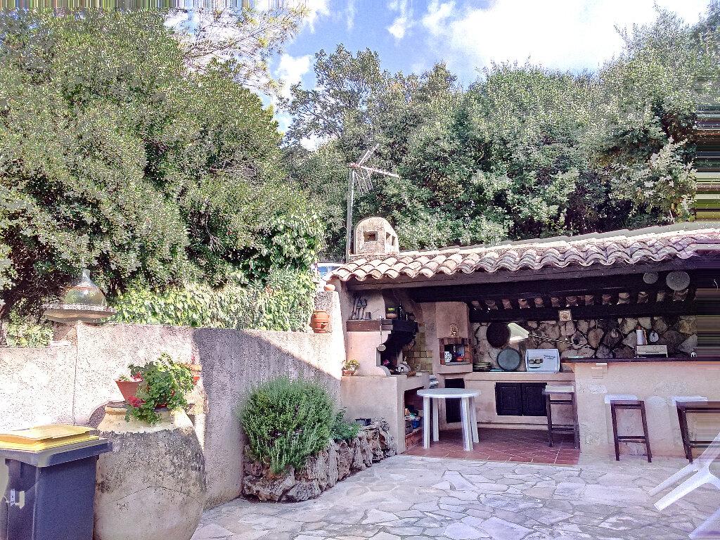 Maison à vendre 6 148m2 à Roquefort-les-Pins vignette-3