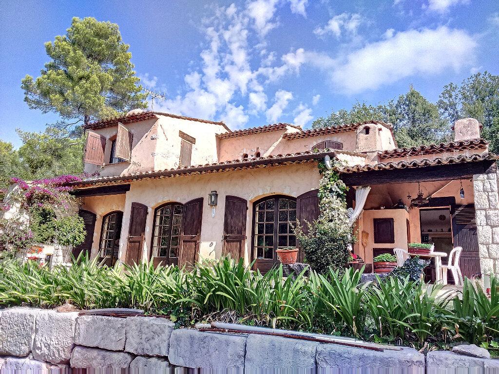 Maison à vendre 6 148m2 à Roquefort-les-Pins vignette-5