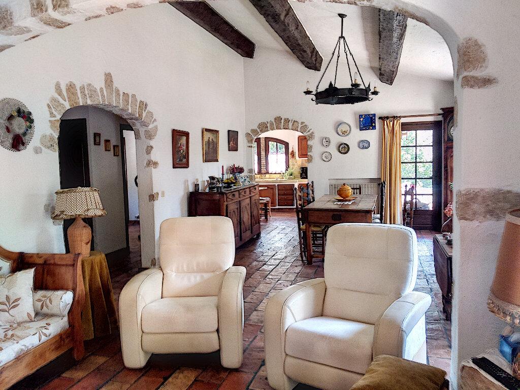 Maison à vendre 6 148m2 à Roquefort-les-Pins vignette-6