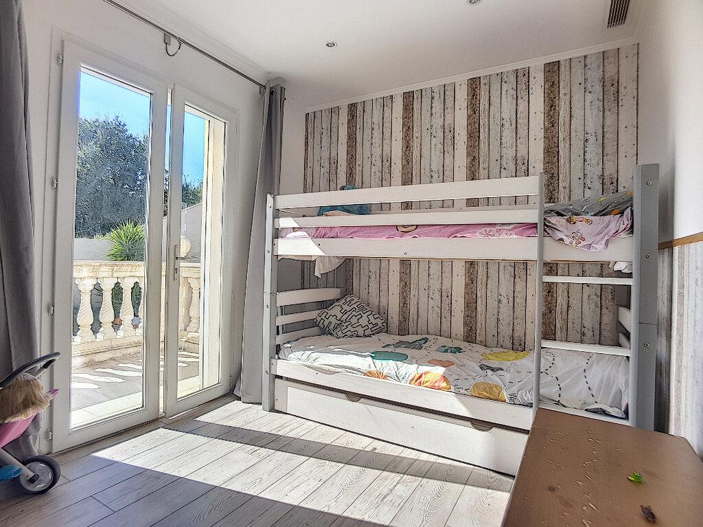 Maison à vendre 6 205m2 à Roquefort-les-Pins vignette-4