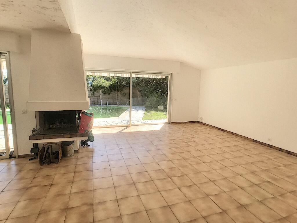 Maison à louer 4 140.33m2 à Roquefort-les-Pins vignette-2