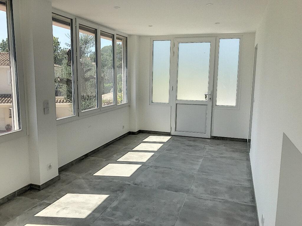 Maison à louer 4 90m2 à Roquefort-les-Pins vignette-3