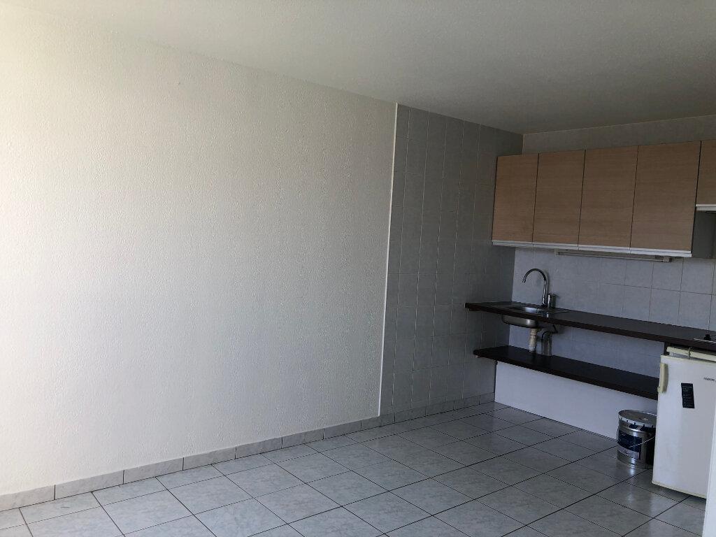 Appartement à louer 1 25m2 à Biarritz vignette-3