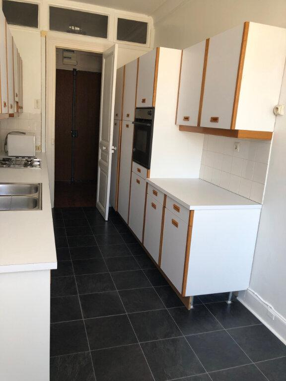 Appartement à louer 4 120m2 à Biarritz vignette-5