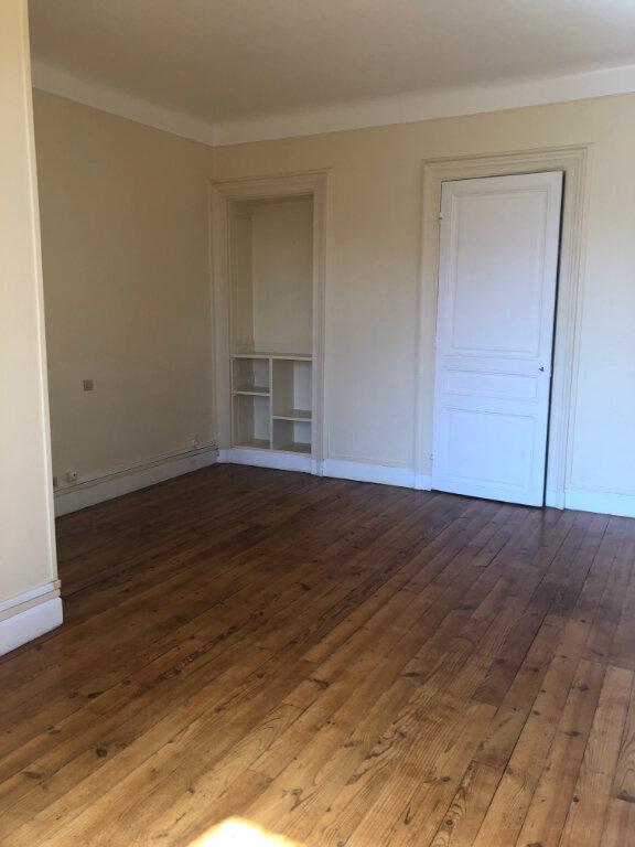 Appartement à louer 4 120m2 à Biarritz vignette-8
