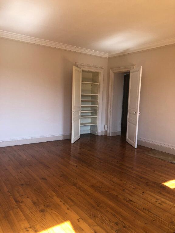 Appartement à louer 4 120m2 à Biarritz vignette-9