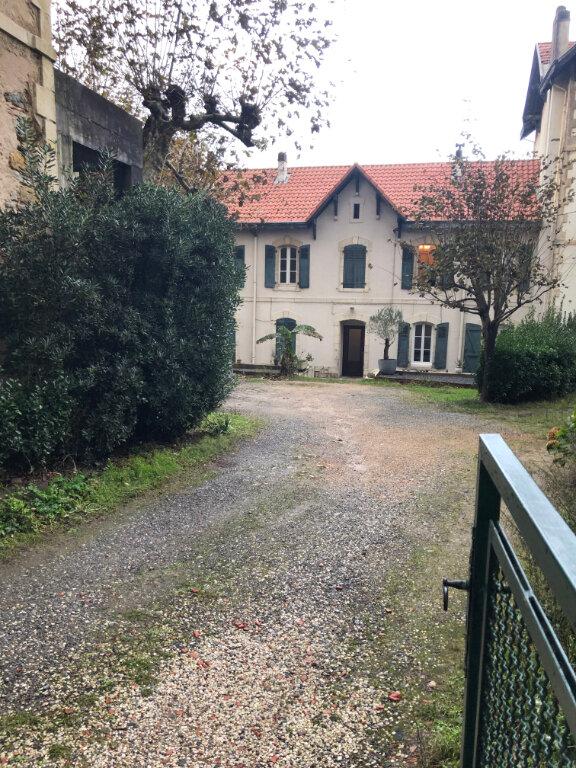 Appartement à louer 3 45m2 à Biarritz vignette-1
