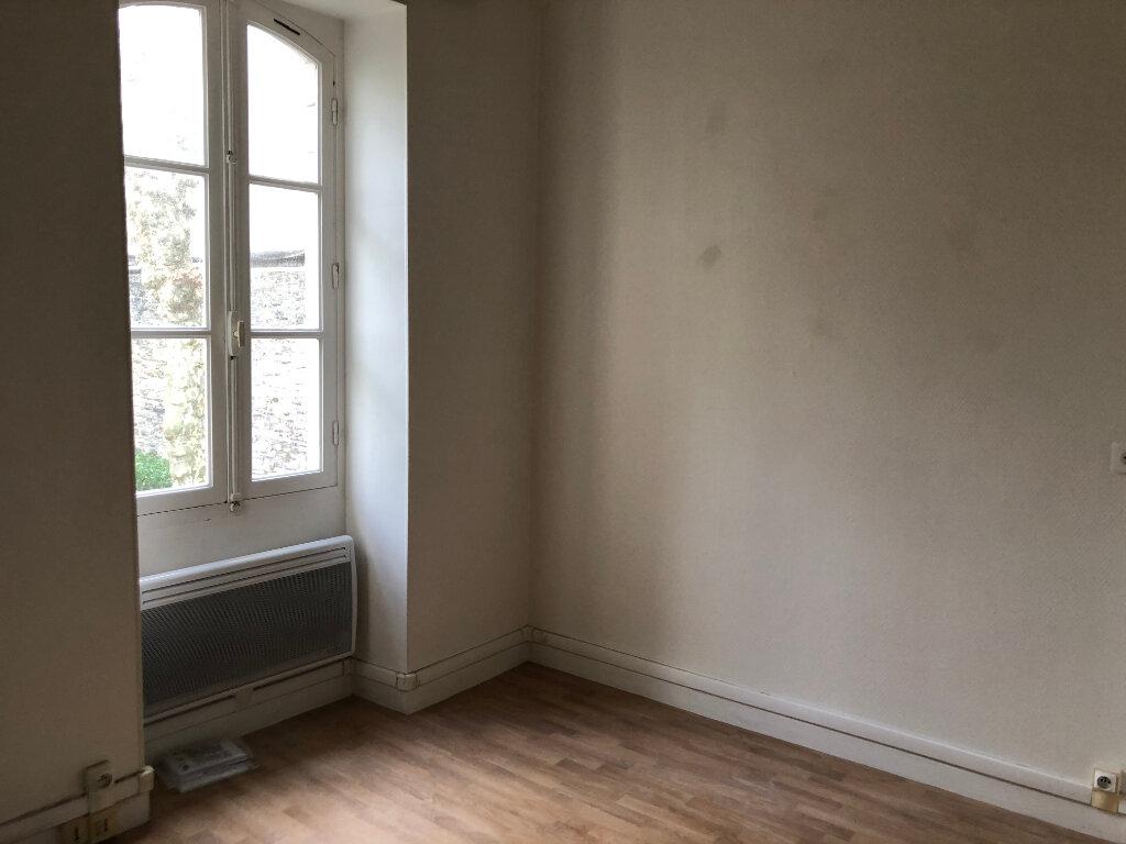 Appartement à louer 3 45m2 à Biarritz vignette-6