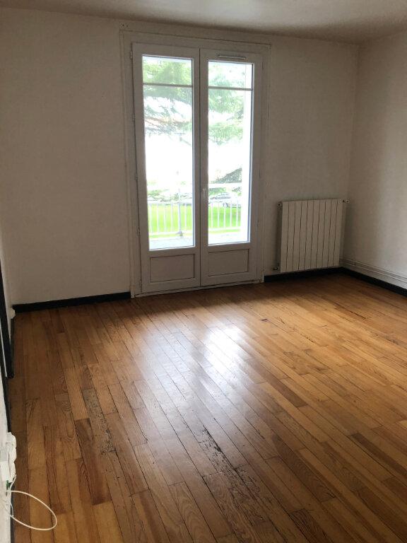 Appartement à louer 3 57.31m2 à Bayonne vignette-2