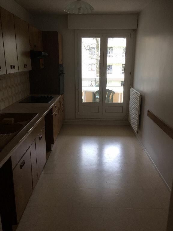 Appartement à louer 4 85m2 à Bayonne vignette-4