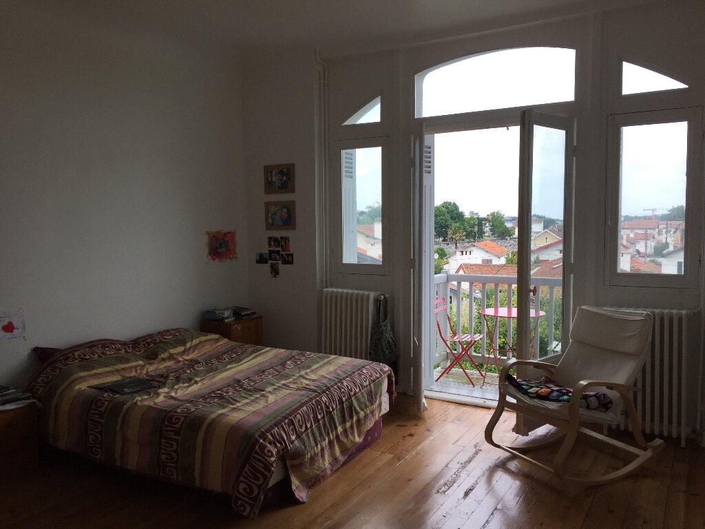 Appartement à louer 4 79.8m2 à Bayonne vignette-3
