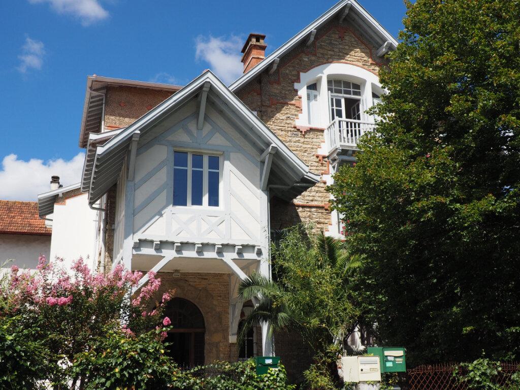 Appartement à louer 4 79.8m2 à Bayonne vignette-6