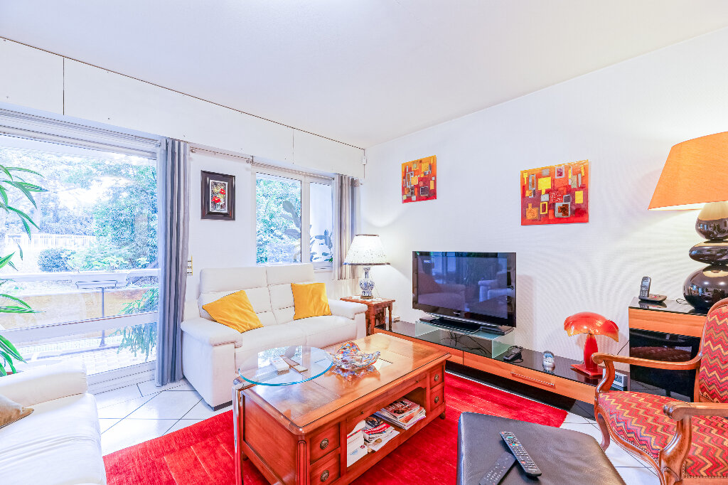 Appartement à vendre 4 103m2 à Biarritz vignette-2