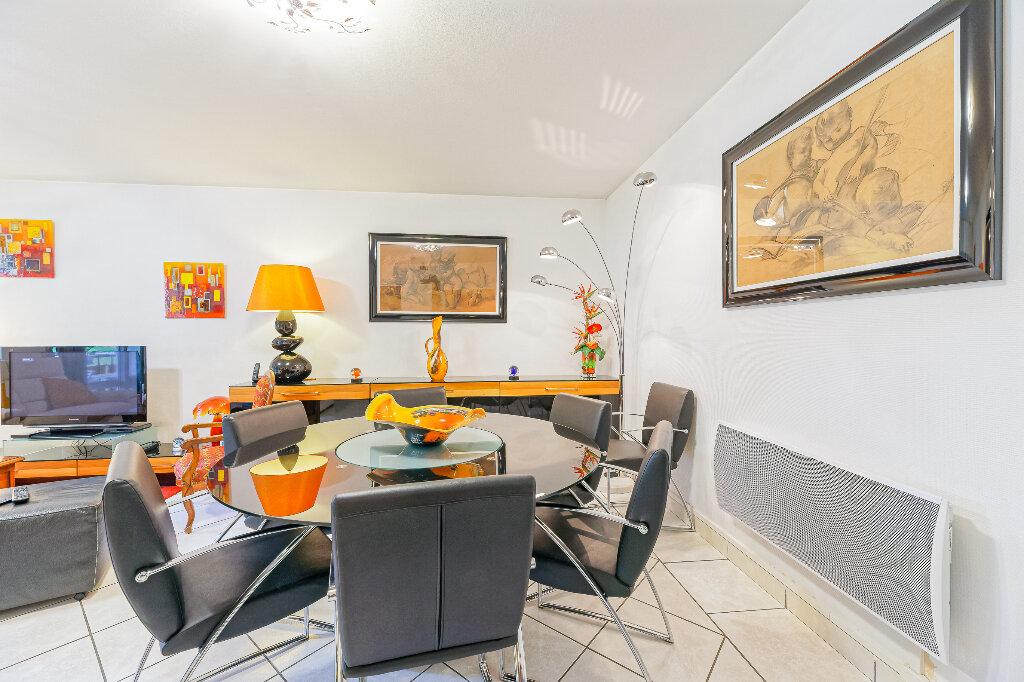 Appartement à vendre 4 103m2 à Biarritz vignette-6
