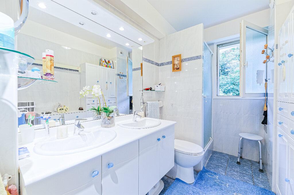 Appartement à vendre 4 103m2 à Biarritz vignette-9