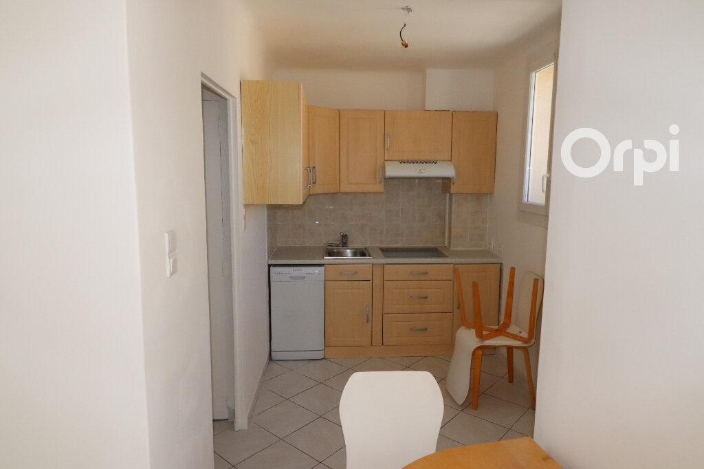 Appartement à vendre 3 55m2 à Aubagne vignette-2