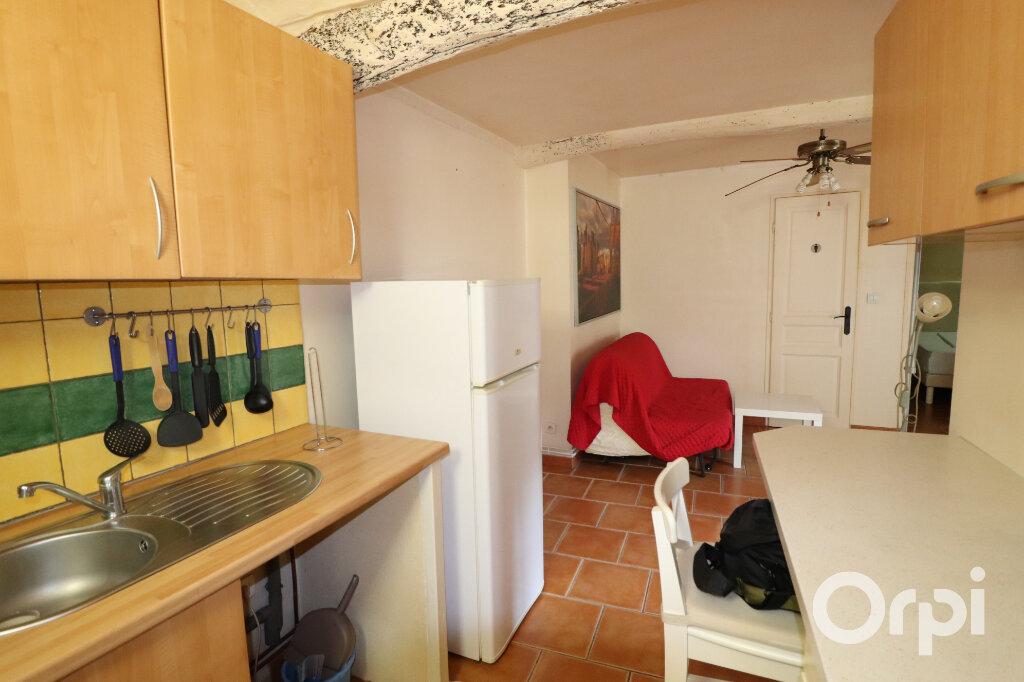 Appartement à louer 2 28m2 à Roquevaire vignette-1