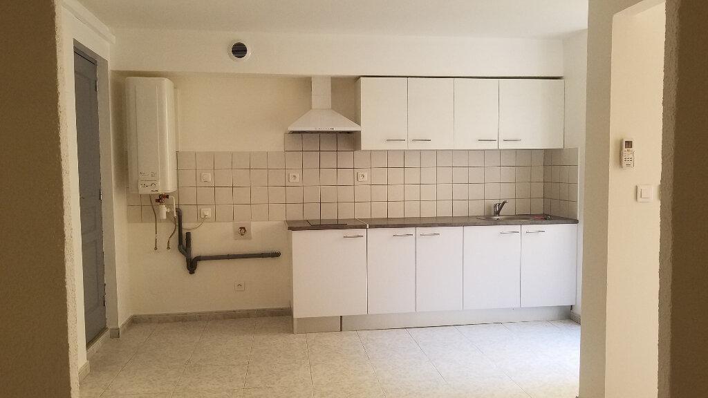 Appartement à louer 2 33.3m2 à Marignane vignette-1