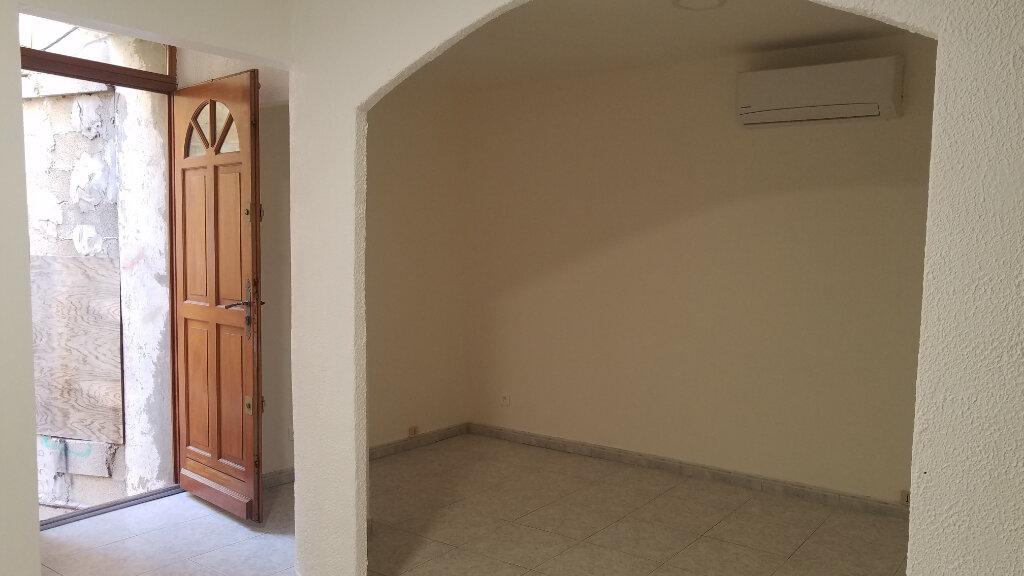 Appartement à louer 2 33.3m2 à Marignane vignette-5
