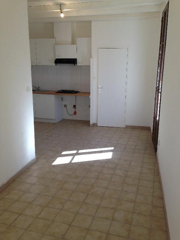 Appartement à louer 1 21m2 à Marignane vignette-1