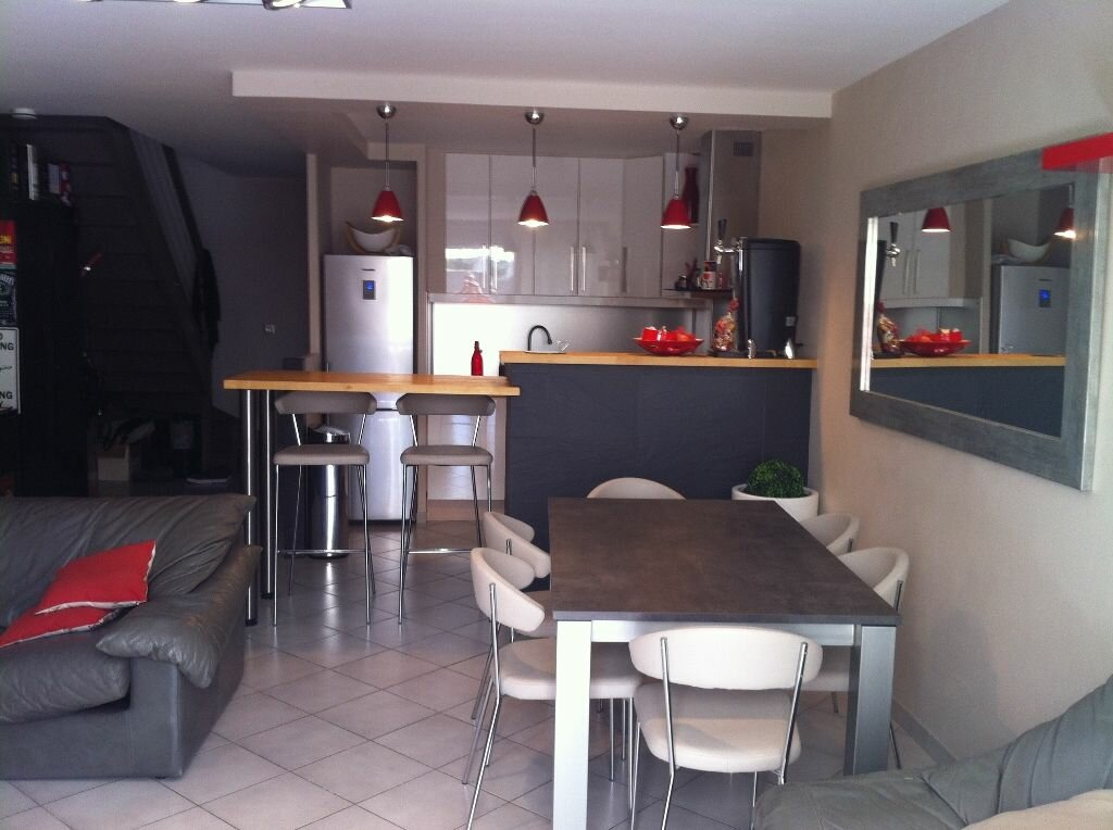 Maison à louer 3 87m2 à Marignane vignette-3