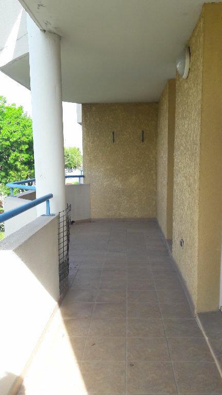 Appartement à louer 3 60m2 à Marignane vignette-1