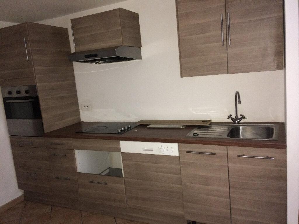 Appartement à louer 4 67m2 à Marignane vignette-5