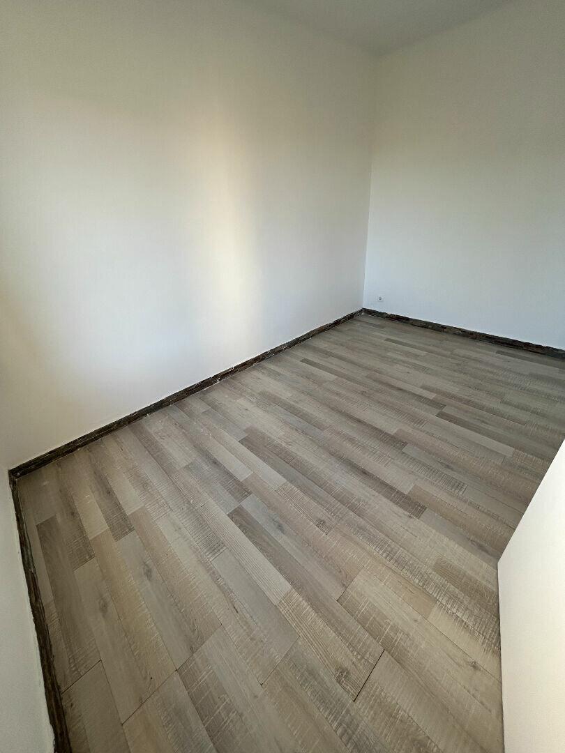 Appartement à louer 2 33m2 à Marignane vignette-3