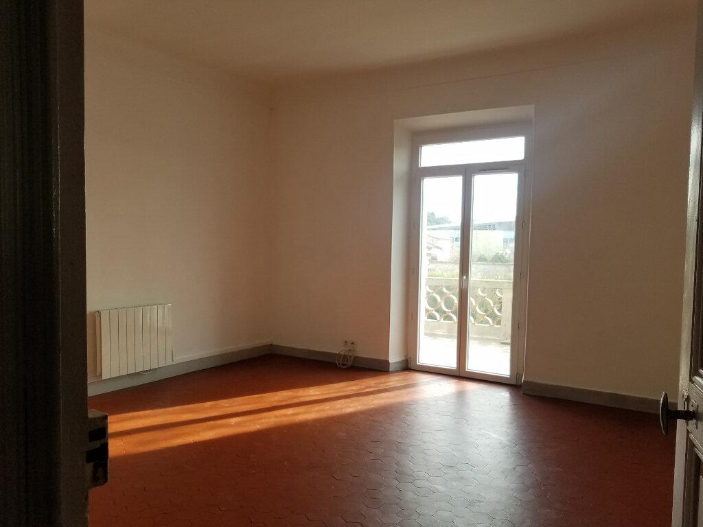 Appartement à louer 4 90.95m2 à Septèmes-les-Vallons vignette-1