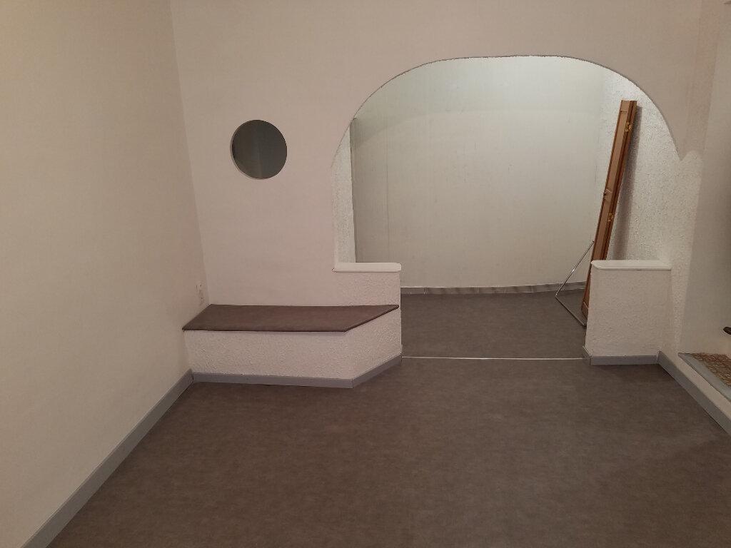 Maison à louer 3 65.73m2 à Marignane vignette-3