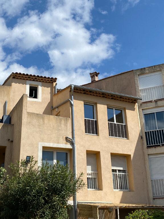 Appartement à louer 1 49m2 à Marignane vignette-1