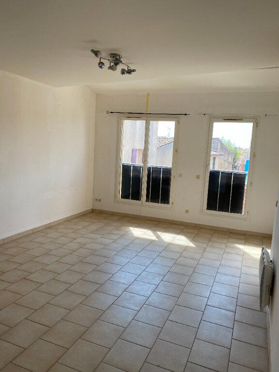 Appartement à louer 1 49m2 à Marignane vignette-2
