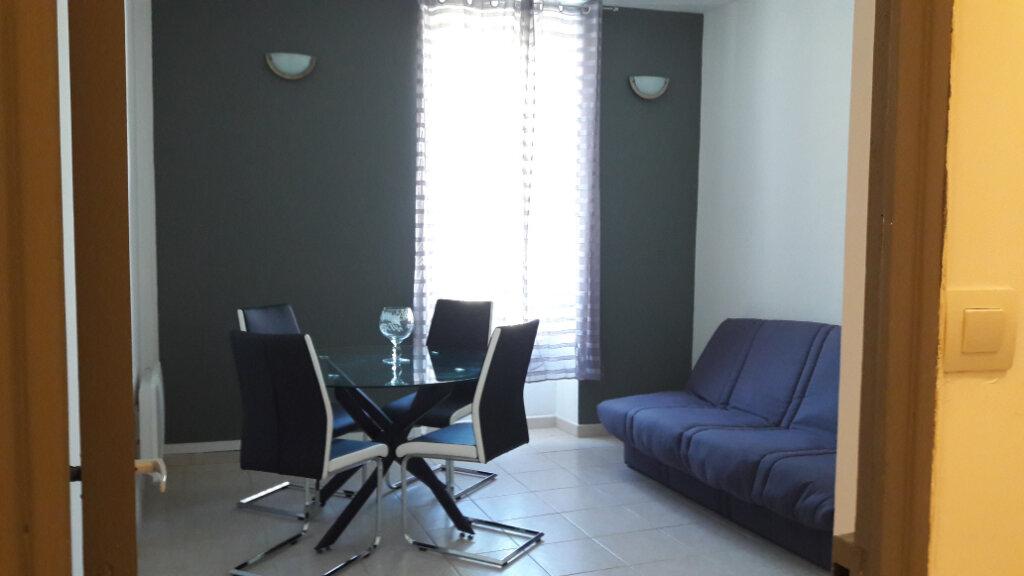 Appartement à louer 2 42.82m2 à Marignane vignette-1