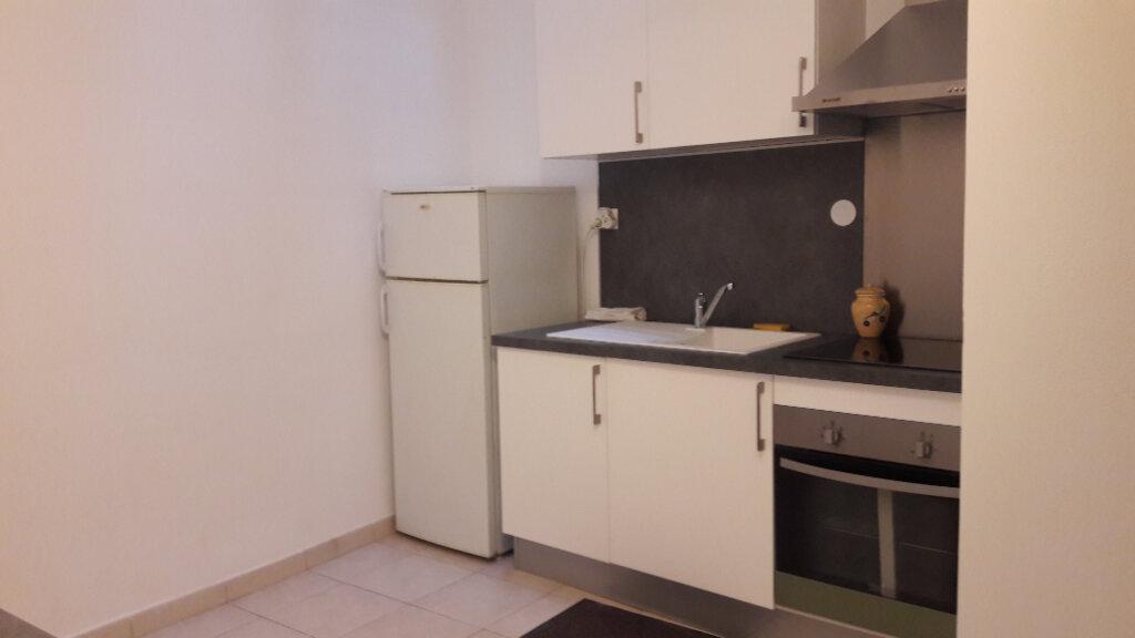 Appartement à louer 2 42.82m2 à Marignane vignette-2