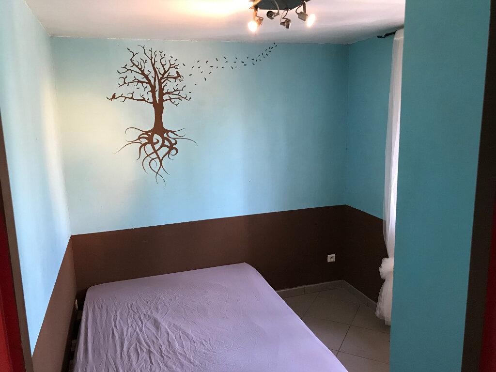Appartement à louer 1 29m2 à Gignac-la-Nerthe vignette-3