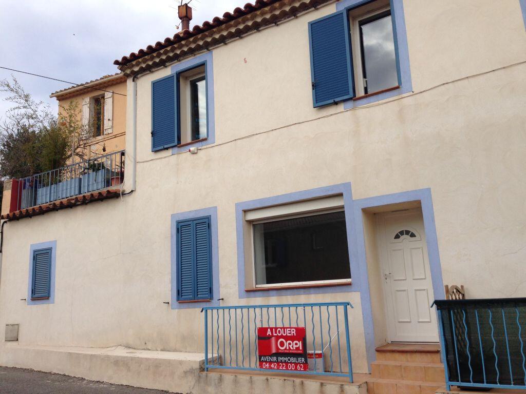 Appartement à louer 2 41m2 à Le Rove vignette-1
